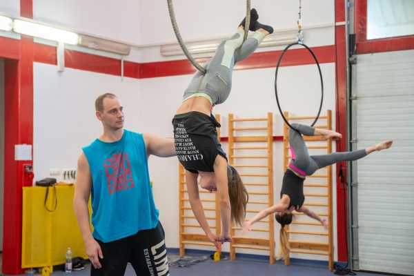 Interview with Zsolt Patonai, choreographer of Sparkling Sprites – Christmas Adventure in the Circus
