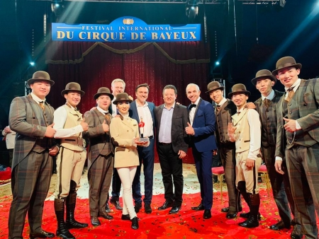 The unique production of the Mongolian Circus Production has won another award!